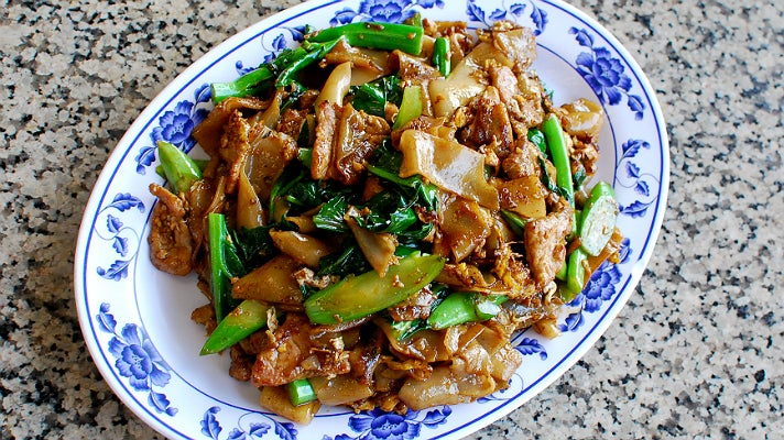 Pad-See-Ew at Sanamluang